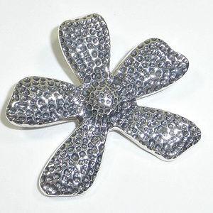 Silpada Jewelry - Silpada Sterling Silver Flower Pendant S1101